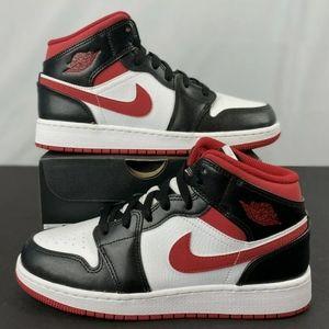Jordan 1 mid GS White Gym Red Black